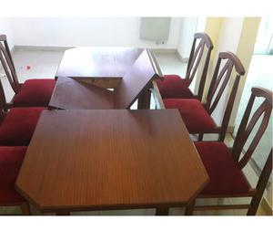 vendo juego de comedor, extensible en madera, con 6 sillas