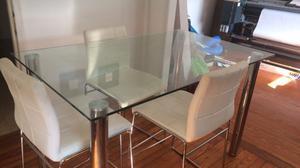 Mesa de comedor de vidrio con 4 sillas!!