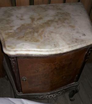 Mesa de luz antigua estilo frances