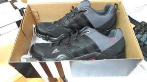 ZAPATILLAS Adidas Nº41 NUEVAS