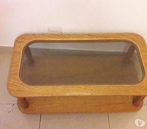 vendo mesa ratona de madera y vidrio en muy buen estado