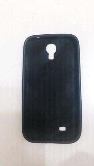 Funda silicona S4 color negro muy poco uso.
