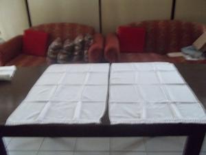 Dos centros de mesa de tela