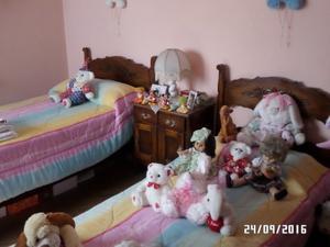 Juego Dormitorio 2 Camas De 1 Plaza Y Mesa De Luz