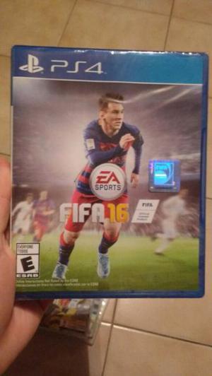 Vendo o Permuto juego FIFA 16 PLAY 4