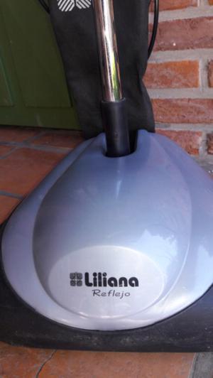 Lustraspiradora Liliana, Muy poco uso.