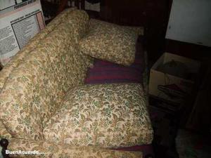 antiguo sillon de 3 cuerpos tapizado gobelino.-