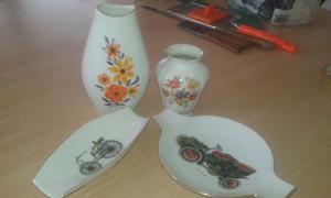 cenicero y floreros de porcelana.