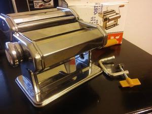 Máquina de pastas (un solo uso)