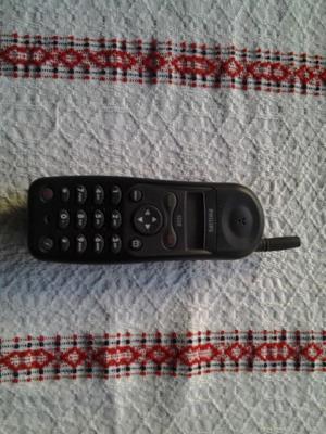 TELEFONO CELULAR PHILIPS observe el precio