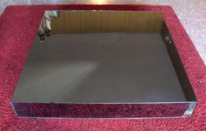 mesa ratona cuadrada revestida con vidrio espejo fume
