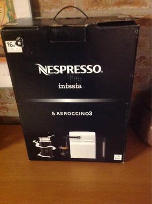 Cafetera Nespresso Inissia Blanca + Aeroccino 3