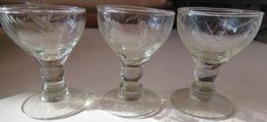 3 copitas de licor vidrio labrado antiguas-pompeya/villa
