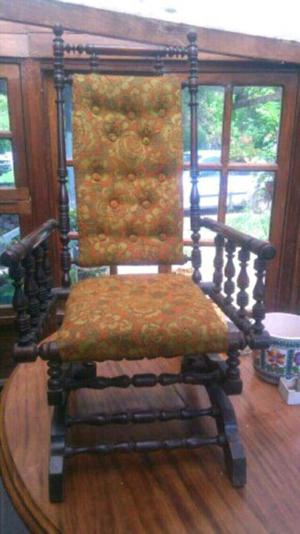 HERMOSO SILLON ANTIGUO