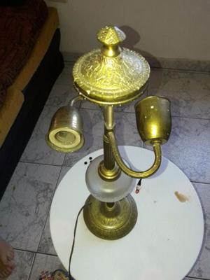 Lámpara de mesa de bronce
