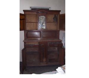 Mueble de aparador con alzada de cedro