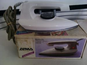 Plancha Atma - Década '80 - Funciona - Poco Uso - 220 V