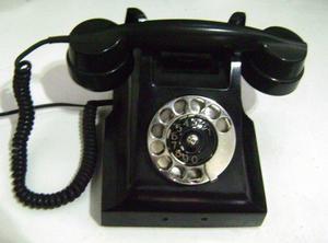 Antiguo Teléfono Baquelita Ericsson  Con Ficha Moderna!