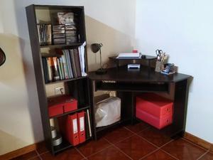 Escritorio esquinero y biblioteca