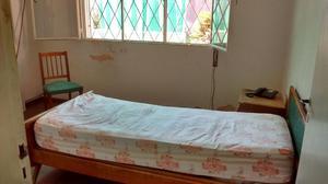 liquido juego de dormitorio una plaza y 5 sillas