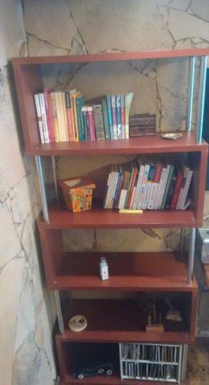 Biblioteca color cedro con cromado Hermosa