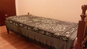 Cama de 1 plaza en roble, incluye colchón