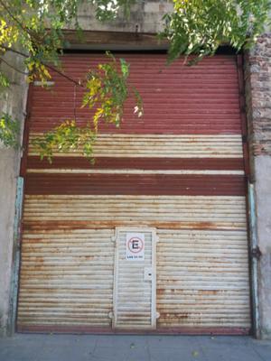 Cortina metalica con puerta