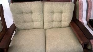 Oportunidad, sillones de algarrobo con almohadones