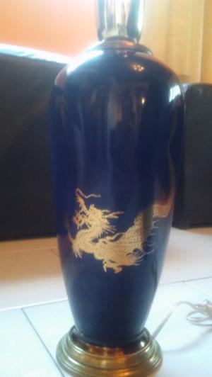 Antigua lampara porcelana.