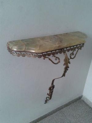 Dresuar de bronce y mármol