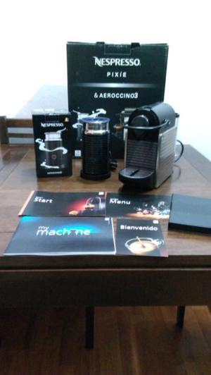 Cafetera Nespresso pixie + Aeroccino