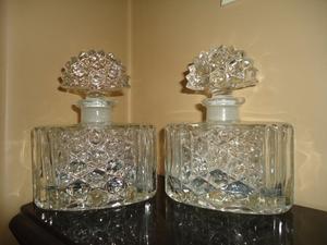 Antiguos frascos para tocador, son 2, con tapón y