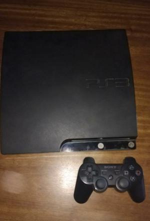 Vendo PS3 en muy buen estado con muchos juegos.