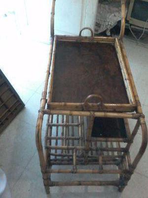 mueble caña de bambú con bandeja desmontableAntiguedad!