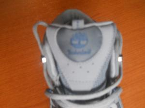 vendo zapatillas/botas en exelente estado, numero 39, para