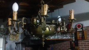 Araña de bronce muy antigua de 6 luces