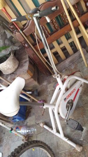 Bicicleta Fija para hacer ejercicio