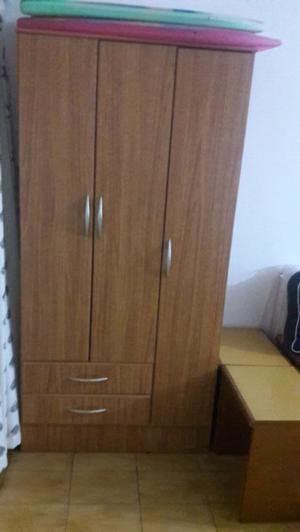 Mueble 3 puertas