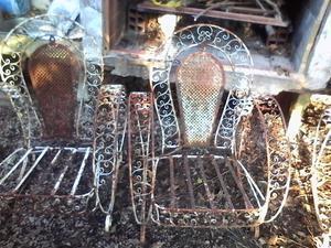 Sillones antiguos de hierro forjado