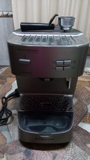Cafetera Express Electrolux Aroma