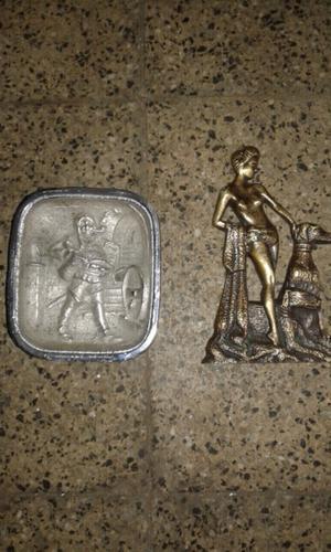 Cenicero y adorno antiguo de bronce