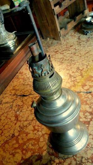 Lámpara de Kerosene Antigua
