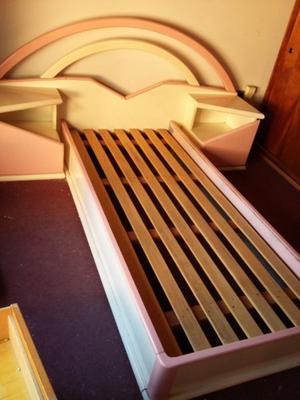 cama de 1 plaza y comoda con espejo grande madera maciza