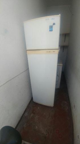 Heladera Con Freezer Columbia