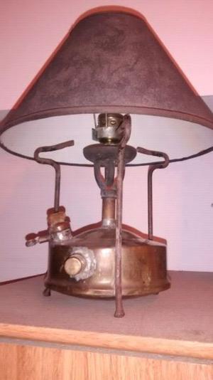 Lampara hecha con calentador a kerosene