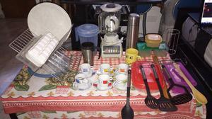 Lote de utensillos y licuadora para cocina. Vendo todo junto