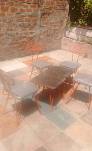 Mesa con sillas para jardin