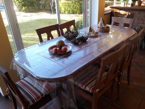 Mesa y 6 sillas de algarrobo