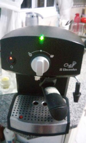 Cafetera Expréss Electrolux Chef Crema
