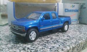 Chevrolet Silverado Pull Back 1/36!!!!